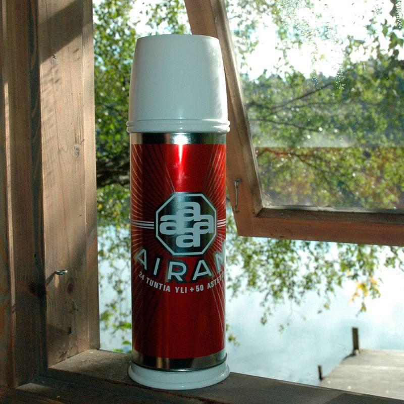 Красный термос Airam со стеклянной колбой